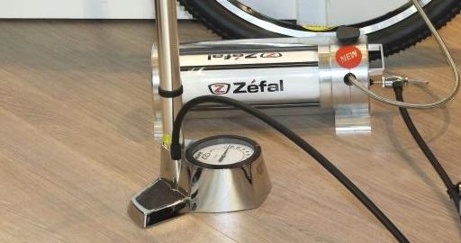 Zéfal invente le compresseur mécanique