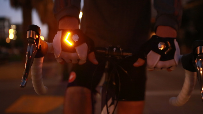 Pour votre sécurité une paire de gants Zackees