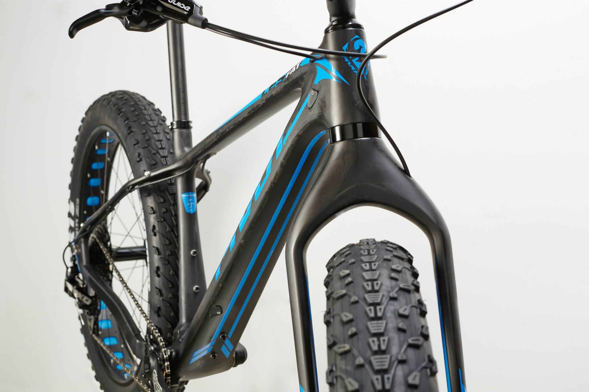 LES FAT BIKE SELON PIVOT Cycles…